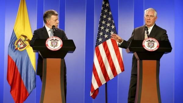 El presidente de Colombia, Juan Manuel Santos, y el secretario de Estado de EEUU, Rex Tillerson. (AP)