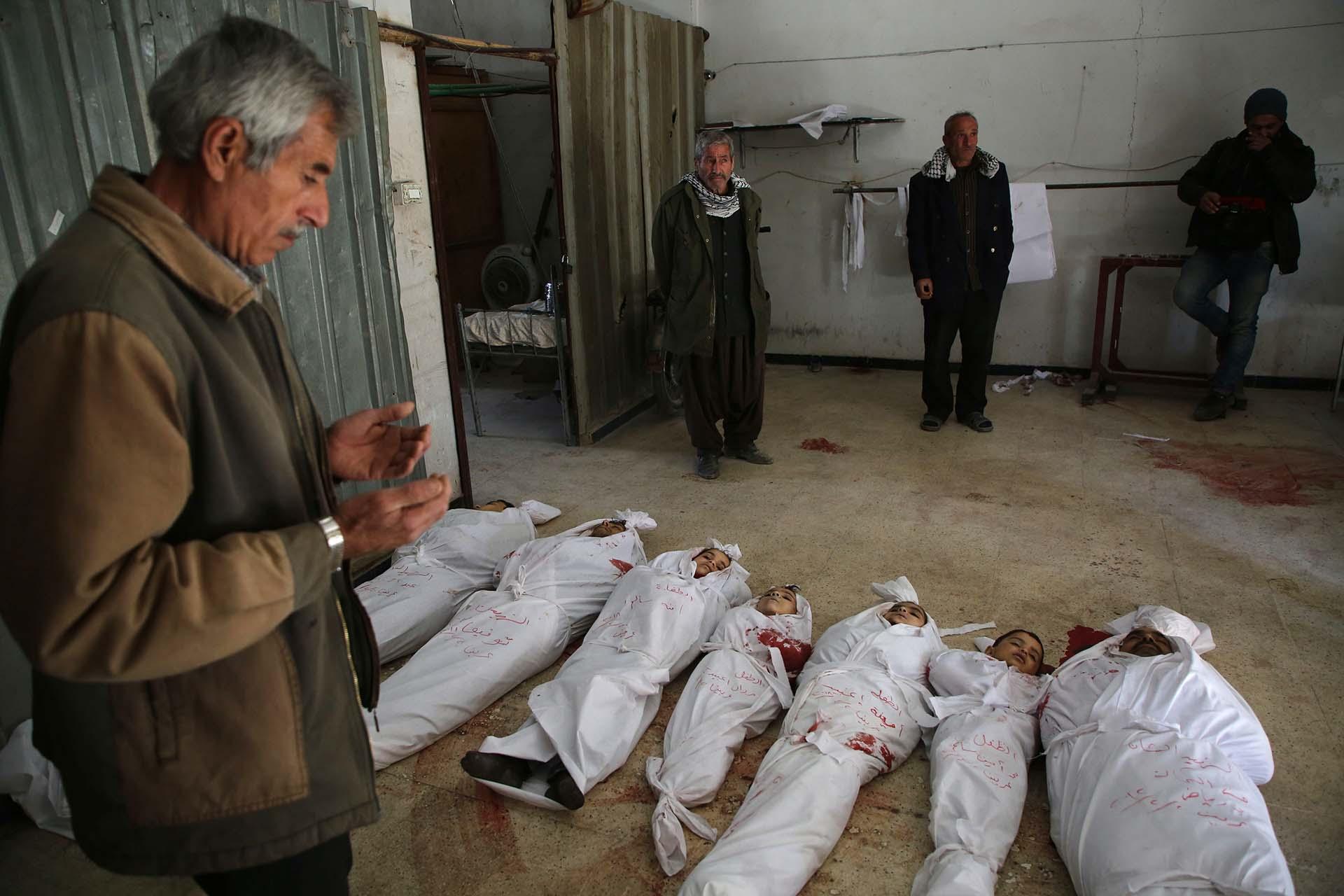 Decenas de niños fueron asesinados en los bombardeos(AFP)