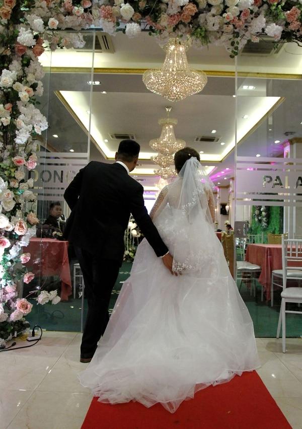 En Vietnam la institución del matrimonio es sagrada y un 70% de las personas de más de 15 años están casadas (AFP)