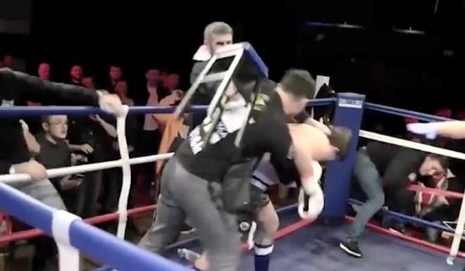 Escándalo en un ring.