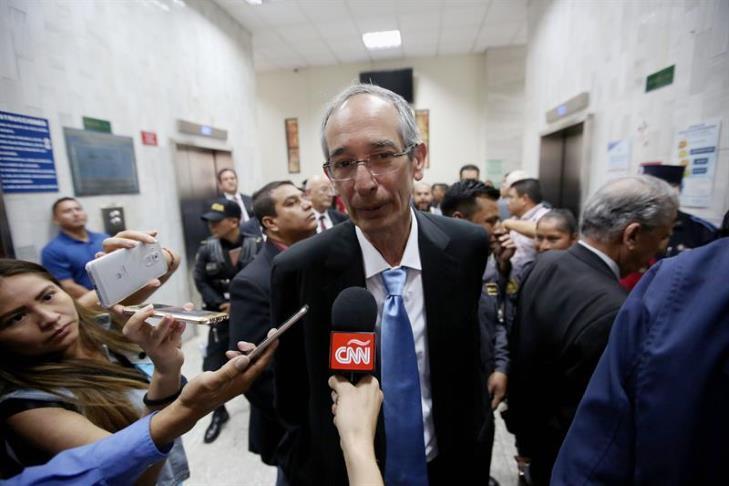 Dan libertad bajo fianza para el expresidente de Guatemala Álvaro Colom: En la imagen, el expresidente de Guatemala Álvaro Colom. EFE/Archivo