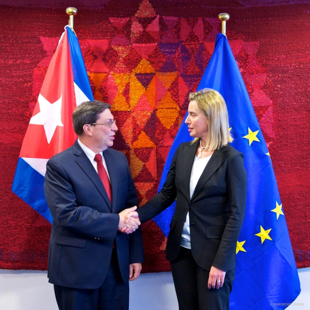 From left to right: Mr Bruno RODRIGUES PARRILLA, Cuban Minister of Foreign Affairs; Ms. Federica MOGHERINI, Italian Minister for Foreign Affairs.