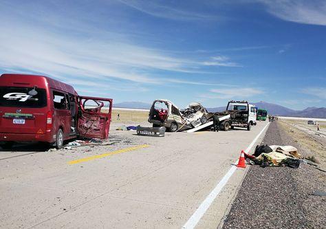 El accidente de tránsito en tramo Pisiga-Oruro. Foto:ABI