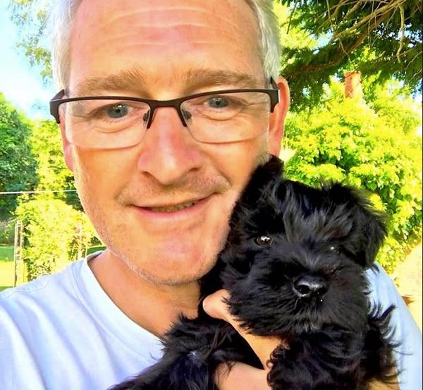 Richard Guttfield se reunió con su perra Wilma gracias a la intervención de Jeff Bezos.