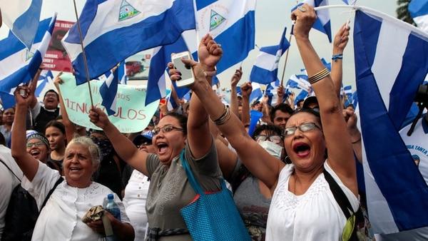 Miles de mujeres salieron a calles de Managua a exigir justicia. (Reuters)