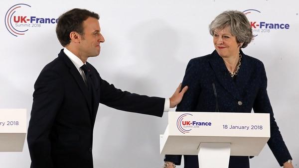 Emmanuel Macron y Theresa May en la primera conferencia de prensa conjunta después del Brexit