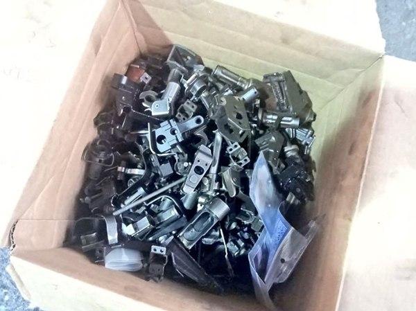 Las 580 partes de armas de fuego halladas en un contenedor de 20 pies.