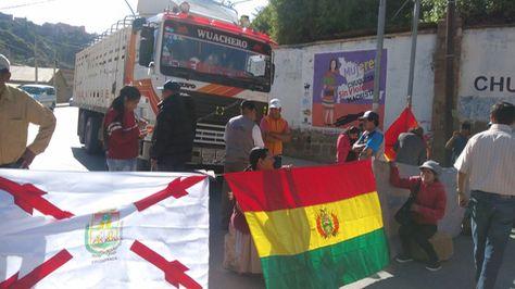 Transporte pesado se suma al paro en Chuquisaca. Foto: Yuvert Donoso