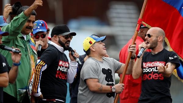 Maradona fue invitado especial en el cierre de campaña (Reuters)