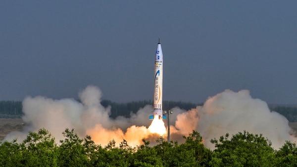 El aparato tiene una autonomía de cinco minutos y puede viajar a alturas de hasta 273 kilómetros, de acuerdo con el presidente y fundador de OneSpace, Shu Chang