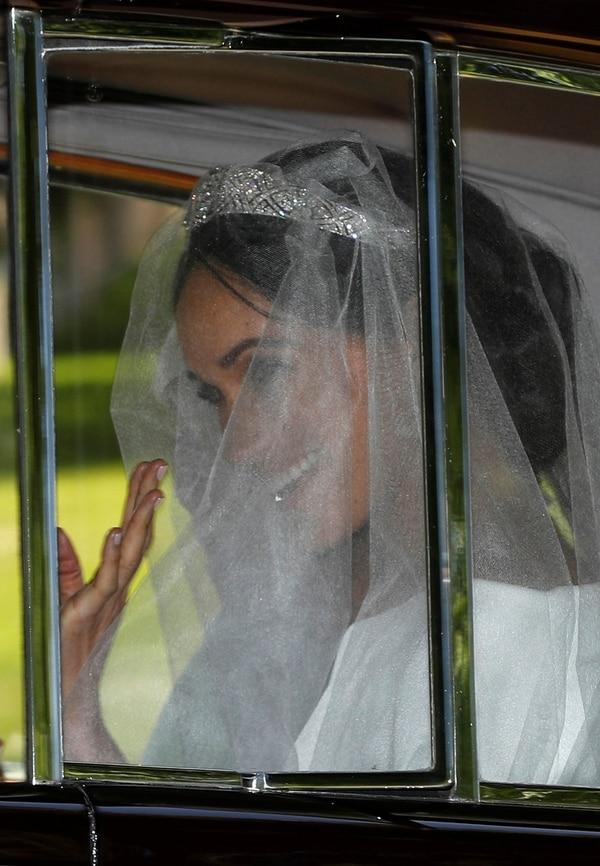 La exactriz estadounidense Meghan Markle llevabaun vestido de novia de color blanco creado por la diseñadora británica Clare Waight Keller, directora artística de la casa de alta costura francesa Givenchy.