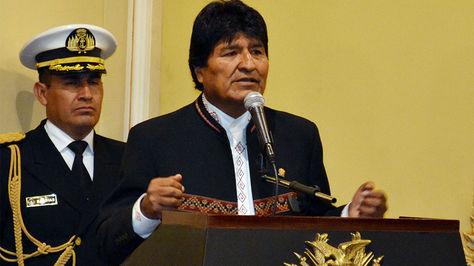El presidente Evo Morales en la posesión del viceministro de Lucha contra el Contrabando, Cnl. Gonzalo Rodriguez, en Palacio de Gobierno.