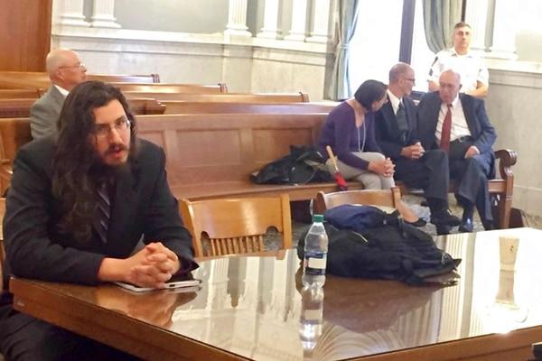 Michael Rotondo, de 30 años, alcanzó la notoriedad por ser el primer Millennial desalojado judicialmente de la casa de sus padres.