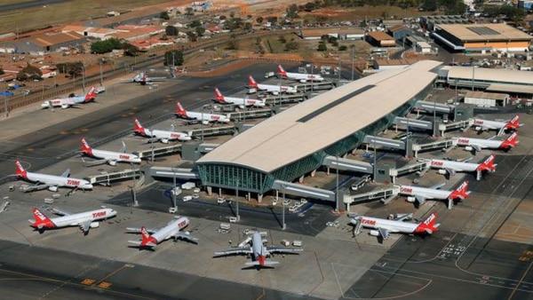 Vista aérea del aeropuerto internacional de Brasilia