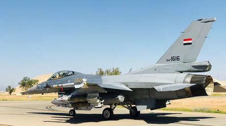 Fotografía de un caza F-16 publicada por la Fuerza Aérea iraquí el 19 de abril de 2018.