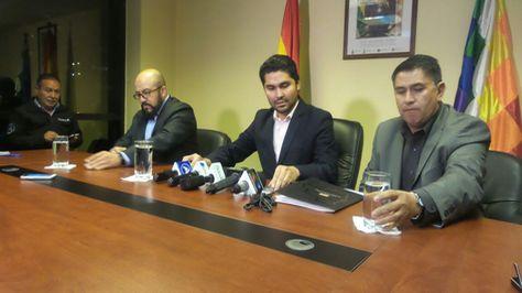 El procurador general del Estado, Pablo Menacho en conferencia de prensa.