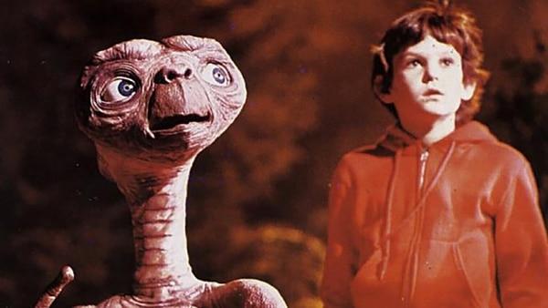 Henry Thomas se convirtió en una estrella trasel éxito de lapelícula E.T., el extraterrestre