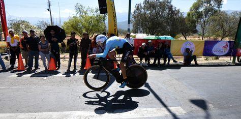 Un competidor colombiano en la prueba de ciclismo en los Juegos Suramericanos de Cochabamba. Foto: Álvaro Valero