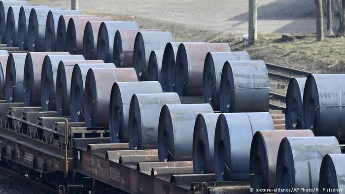 Stahlproduktion in Deutschland (picture-alliance/AP Photo/M. Meissner)