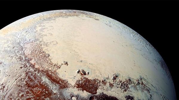 """Científicos creen que la morfología inalterada de las dunas y su relación con el hielo glacial sugieren que se podrían haber formado durante los últimos 500.000 años o """"posiblemente mucho más recientemente"""""""