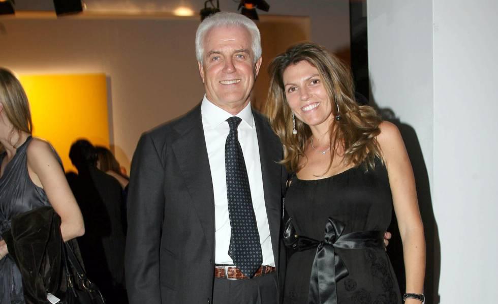 Gilberto Benetton y su hija Sabrina en París.