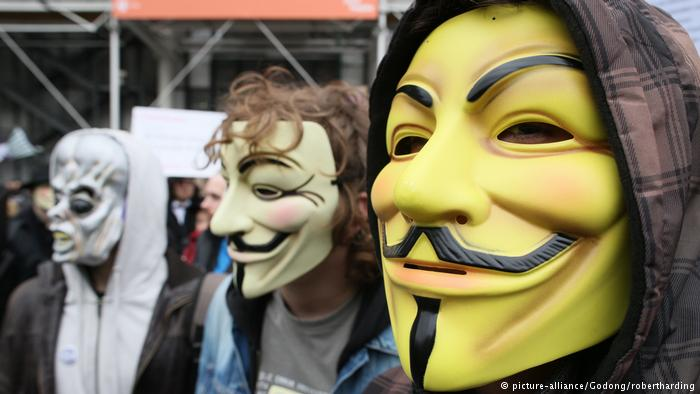 Anonymous-Aktivisten (picture-alliance/Godong/robertharding)