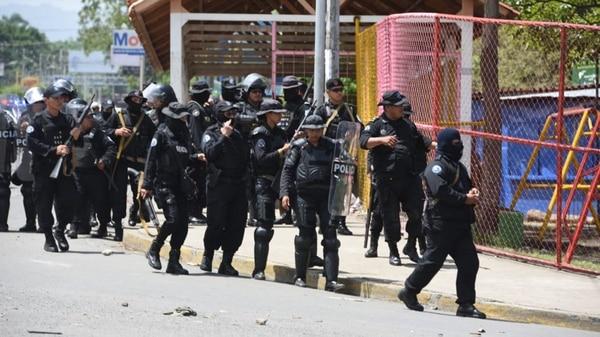 Organismos humanitarios indican que la represión del régimen dejó entre 300 y 500 muertos (@SOSnicaragua11)