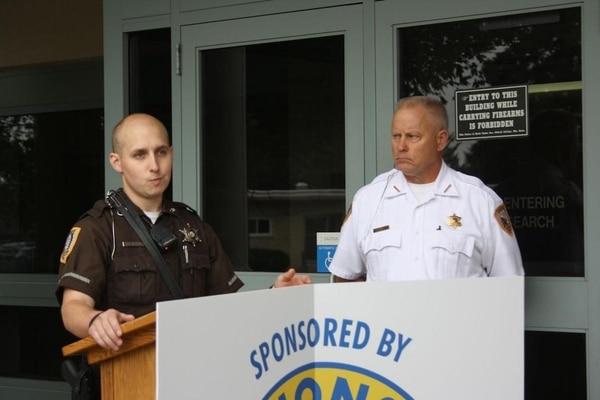 El sheriff James Kowalczyk lidera la investigación en curso