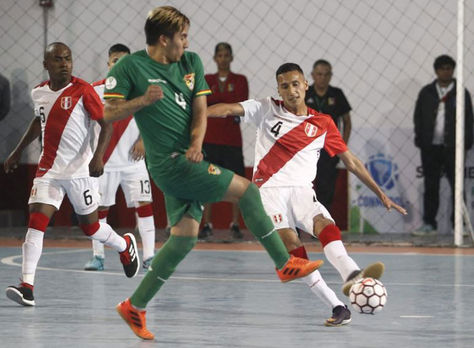 Un pasaje del partido entre Perú y Bolivia por el Sudamericano de Futsal. Foto: CONMEBOL