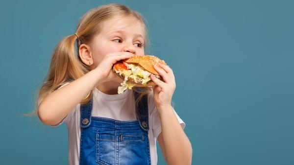 La Argentina tiene un porcentaje de obesidad infantil de 9,9% y le siguen Perú y Chile (Getty)