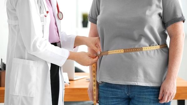 La obesidad es una enfermedad que tiene un impacto sobre la salud de quienes la padecen (Getty)