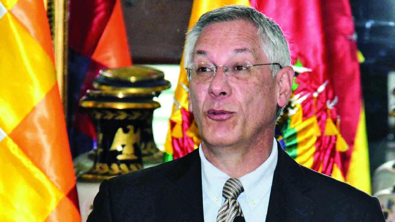 "Eduardo Rodríguez Veltzé: ""Obviamente, cumplir la ley no genera responsabilidad"""