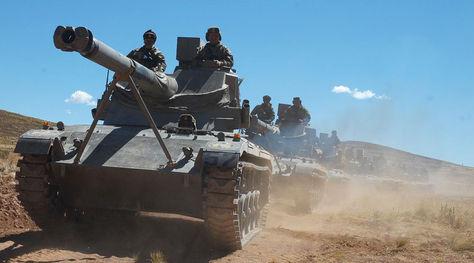 Ejercicios militares en el altiplano boliviano.