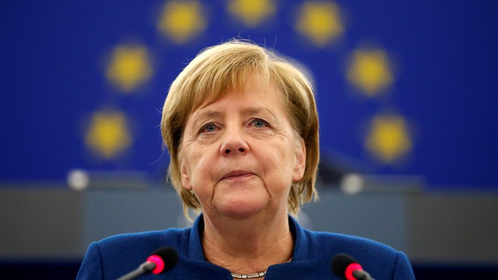 Merkel se une a Macron y propone un ejército europeo que complemente a la OTAN