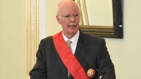 """Embajador de Brasil Raymundo Santos fue condecorado con la Orden Libertador Simón Bolívar en el grado de """"Gran Oficial"""" al término de su misión. Foto:Cancillería"""