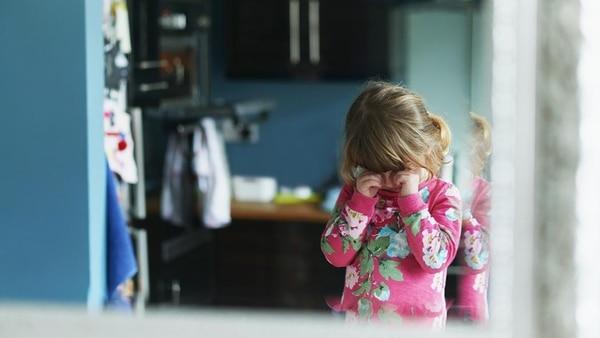Tal vez lo más frustrante para los padres es que no hay forma de prevenirlo, ni terapias específicas o intervenciones