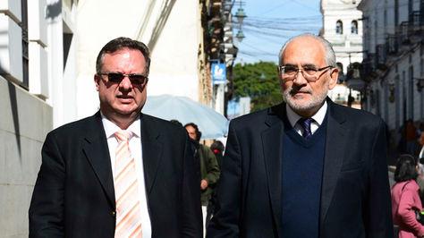 Carlos Alarcón y Carlos Mesa en una fotografía de archivo de La Razón.