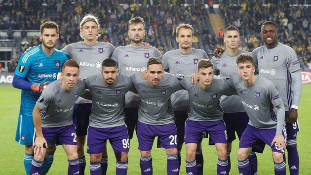 El Anderlecht congeló pagos a agentes de jugadores por escándalo del futbol de Bélgica