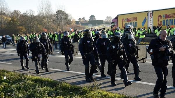 """""""Chalecos amarillos"""" es un movimiento al margen de partidos y sindicatos (AFP)"""