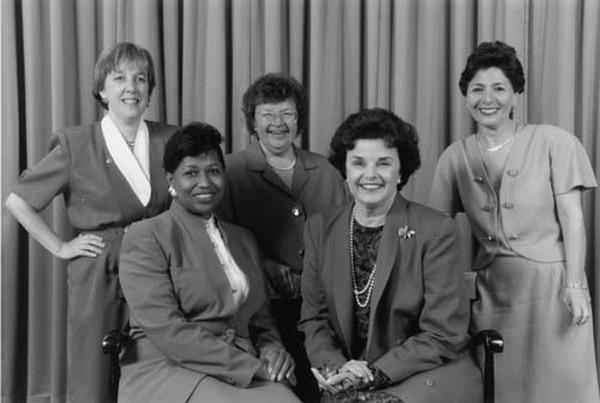 1992, Año de la Mujer: de las cinco senadoras, Dianne Feinstein todavía está en su banca. (US Senate)