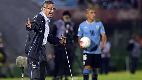 Para el entrenador de la selección uruguaya el problema es que el nivel de la liga local es el más bajo de la región, solo comparable con Bolivia.