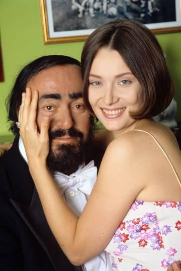 Luciano Pavarott y Nicoletta Mantovani, en 2003.