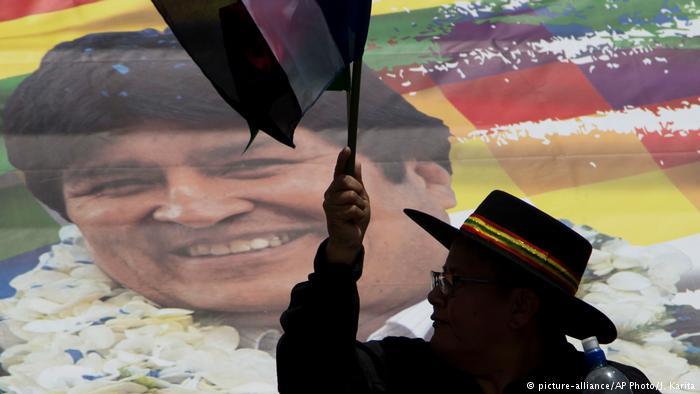 La oposición denuncia que las primarias fueron aprobadas por la mayoría parlamentaria del MAS para justificar la candidatura de Morales, habilitado para la reelección indefinida pese a la Constitución. (picture-alliance/AP Photo/J. Karita)
