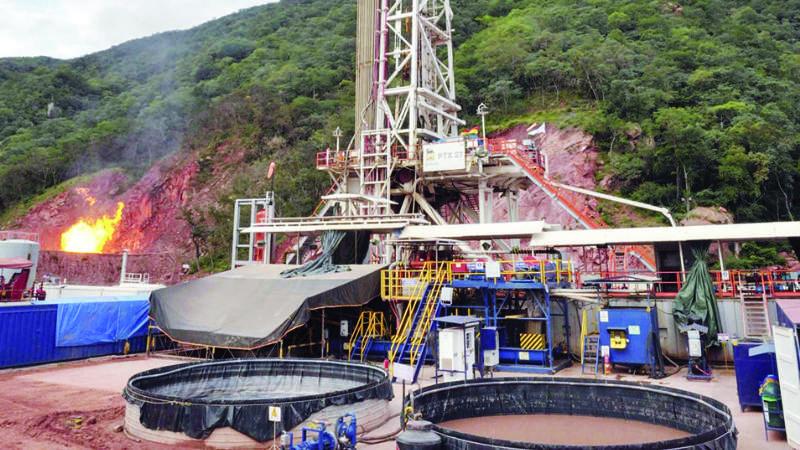 El petróleo cae a $us 53,43, se teme ralentización de economía