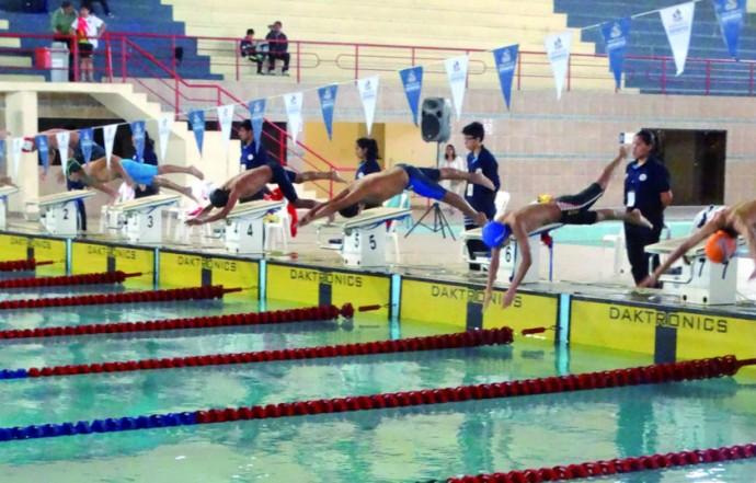 Una de las pruebas realizadas ayer en la piscina olímpica de El Rollo, que acoge desde el viernes los Juegos de la Niñez