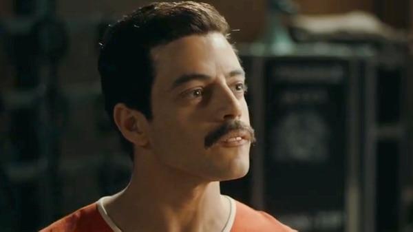 El actor Rami Malek interpreta a Freddie Mercury