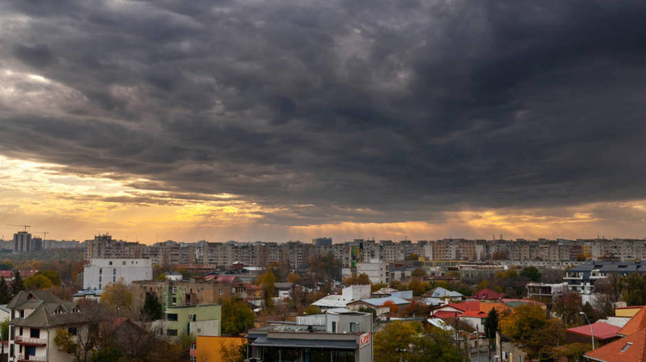 Una tormenta se cierne sobre Bucarest. (iStock)