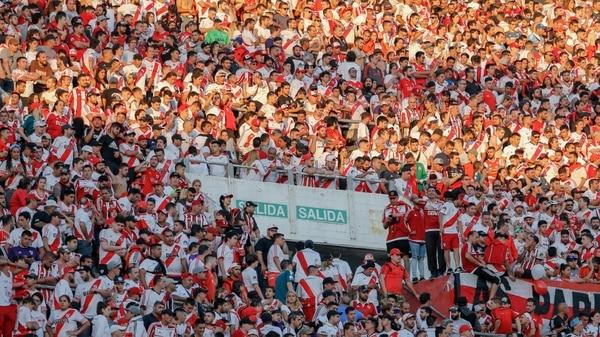 (Nicolás Aboaf) Paraguay podría albergar la Copa Libertadores