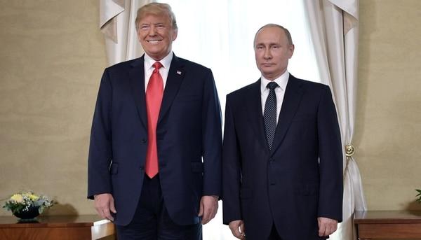 Donald Trump y Vladimir Putin, en su encuentro en julio en Finlandia (Reuters)