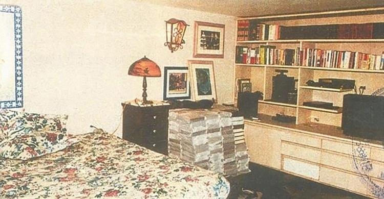 La celda de Escobar era una lujosa habitación con muebles importados, construida como un búnker para protegerlo de los ataques de sus enemigos.